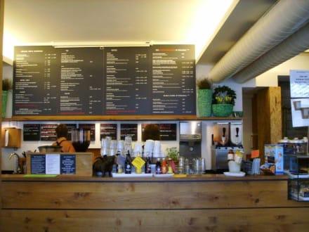 Bedienungstheke - Das Voglhaus-Café