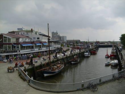 Hafengebiet im Zentrum - Nordsee-Heilbad Büsum