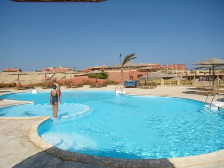 Pool der Anlage in Sharm El Naga - Sharm El Naga
