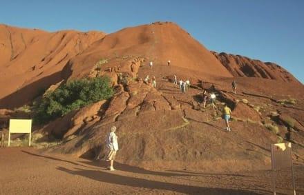 Ayers Rock - Ayers Rock / Uluru