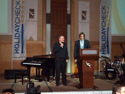 Eröffnungsrede vor dem Essen - HolidayCheck Award Gala