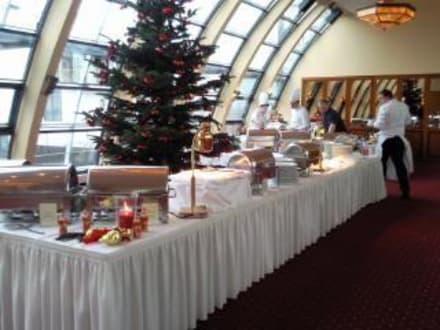 Weihnachtsbuffet - Restaurant Elbkuppel (Hotel Hafen Hamburg)