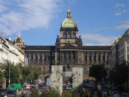 Prag, Nationalmuseum, Blick vom Wenzelsplatz - Nationalmuseum Prag