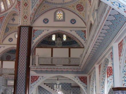 Moschee von innen - Külliye Moschee
