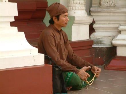 In der Shwedagon-Pagode/Yangoon - Shwedagon Pagode
