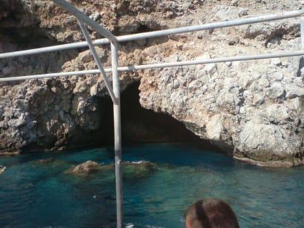 Eingang Piratenhöhle - Bootstour Karaburun