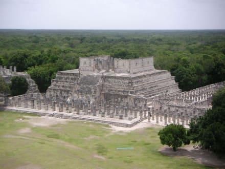 Blick von der Kalenderpyramide - Ruine Chichén Itzá