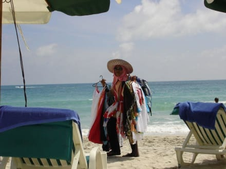 Strandverkäuferin - Strand Chaweng