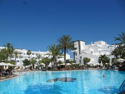 Poolanlage - Seaside Hotel Los Jameos Playa