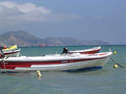 Schiffe in der bucht von Laganas - Strand Laganas