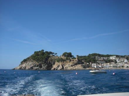 Burganlage vom Wasser aus gesehen - Burg Tossa de Mar