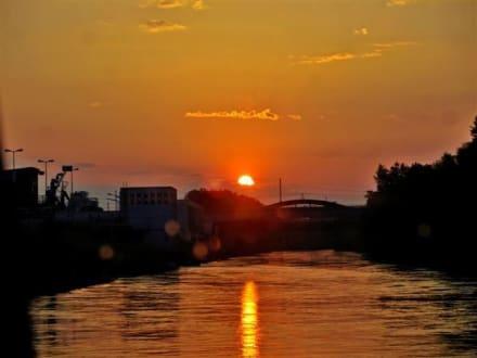 Sonnenuntergang auf der Donau - Tagesausflug