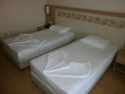 jeden tag neue bettw sche und handt cher bild hotel titan select in alanya konakli. Black Bedroom Furniture Sets. Home Design Ideas