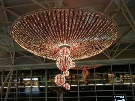 Weihnachtsdeko im Flughafen - Flughafen Zürich (ZRH)