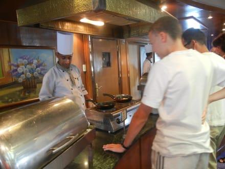Spiegelei und Omlett frisch zubereitet - MS Royal La Terrasse