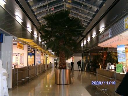 Reisebüros in der 3.Etage - Flughafen Düsseldorf (DUS)