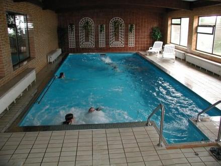 Das hallenbad bild hotel zum koch in ortenburg bayern for Koch ortenburg