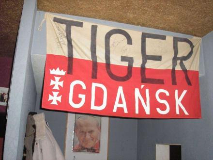 Garderobenecke - Tiger Pub