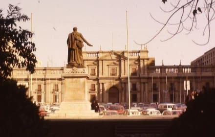 Der zestörte Präsidentensitz - La Moneda