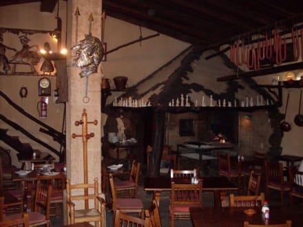 Grill und Innenraum - Cal Dimoni