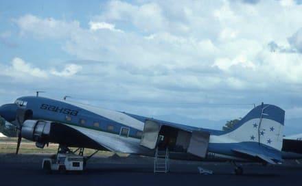 Ein Flugzeug der Honduras-Airline - Flughafen San Pedro Sula/Ramón Villeda Morales International Airport (SAP)