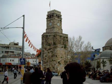 Der Uhrturm (Konak) - Uhrturm