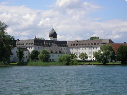 Kloster Frauenwörth - Altes Schloss & Kloster Herrenchiemsee