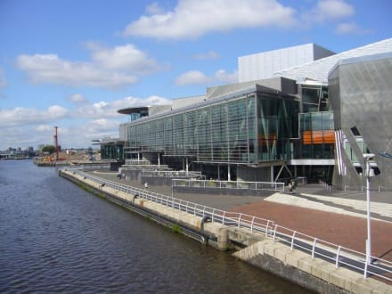 Salford Quays - The Lowry Outlet at the Salford Quays