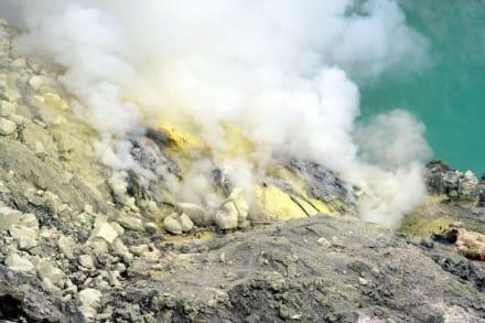 Berg/Vulkan/Gebirge - Vulkan Ijen / Kratersee Kawah Ijen