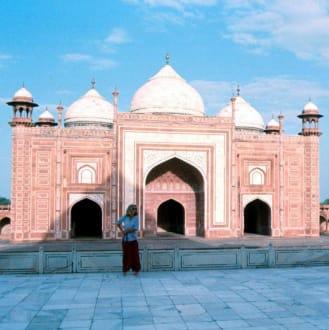 Marion in Agra bei Taj Mahal in Agra - Taj Mahal