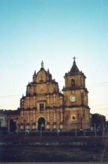 Iglesia de la Recoltección - Kirche Iglesia de la Recolección