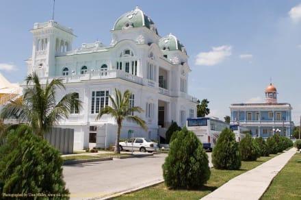 Cienfuegos Yacht Club (Club Cienfuegos) - Cienfuegos Yacht Club