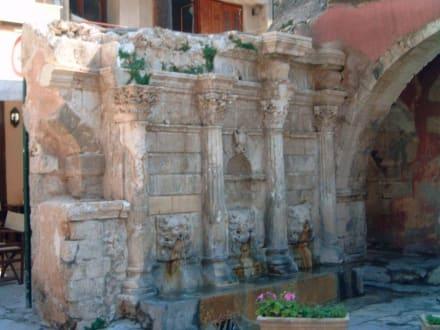 Der Rimondi Brunnen - Altstadt Rethymno