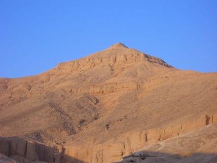 El Qurn, Bergspitze - Tal der Könige