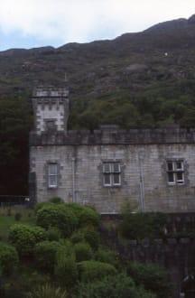 Die Außenfassade von Kylemore Abbey - Kylemore Abbey