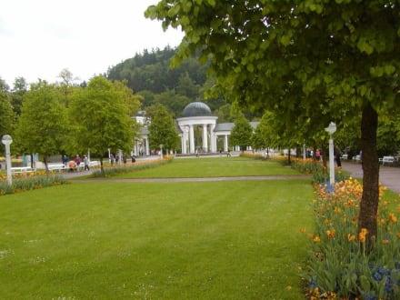 Klassizistischer Brunnentempel - Klassizistischer Brunnentempel