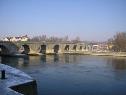 Steinerne Brücke in Regensburg - Steinerne Brücke