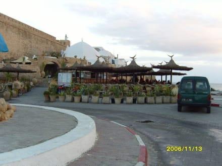 Hinter der Medina, Restaurant,Cafe' usw! - Medina