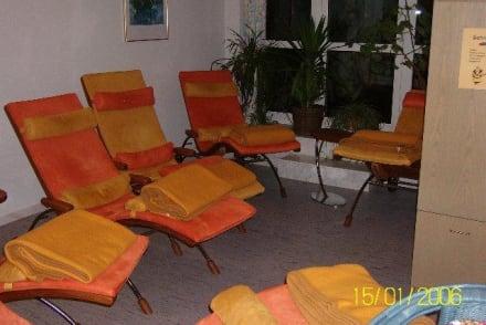 Relaxliegen im Fitnessraum - Hotel Steiger