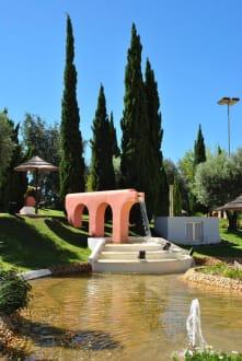 Teich und Springbrunnen - Roma Golf Park
