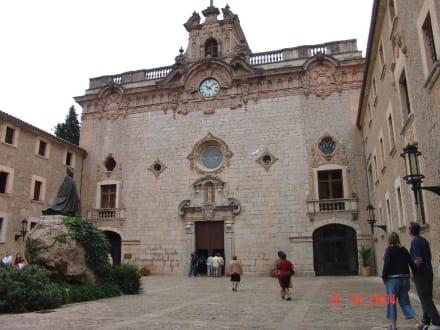 Portal der Kirche - Santuari de Lluc