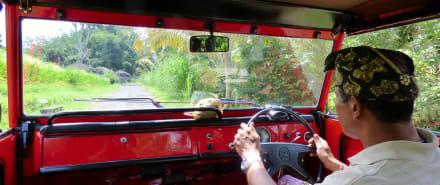 Blick ins Cockpit - Fahrt im Kübelwagen
