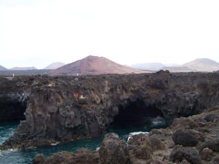 Los Hevideros bei ruhiger See - Los Hervideros