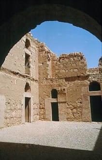 Innenhof von Qasr Kharana - Wüstenschloss Qasr Kharaneh