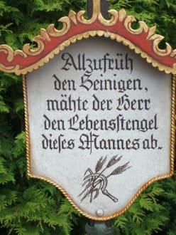 Lustiger Friedhof in Kramsach - Museumsfriedhof