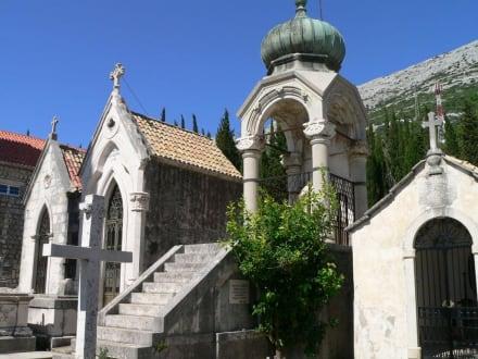 """Kapitänsfriedhof - Franziskanerkloster mit Kirche """"Madonna der Engel"""""""