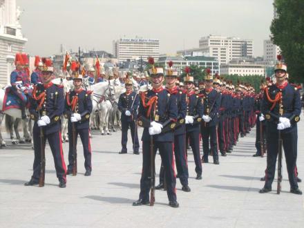 Palacio Real - Wachablösung - Palacio Real