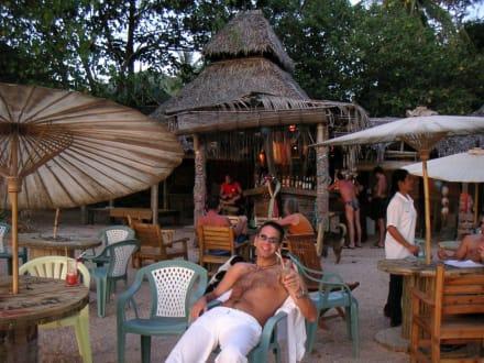 Relaxing an der Last-Fisherman-Bar - der Tsunami hat sie lei - Fisherman's Bar