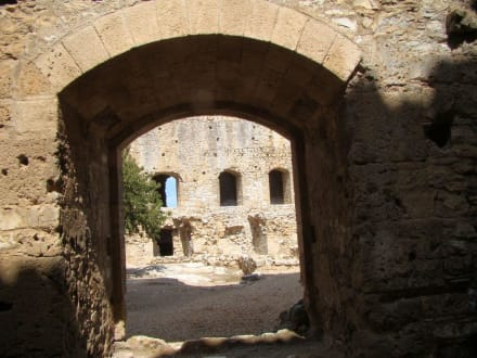 Durchgang zum Innenhof der Zitadelle - Festung Chlemoutsi