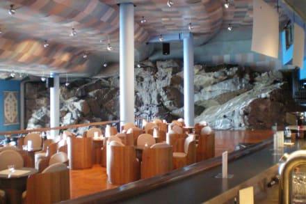 Die Grottenbar im Nordkap Areal - Nordkap